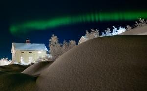 Aurora string by Jonas Sundberg