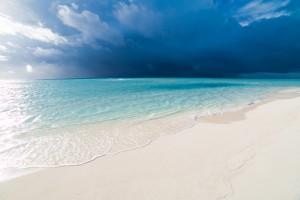 Amazing beach in Maldives, summer travel by Levente Bodo