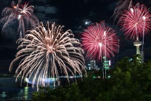 Niagara Falls fireworks Display by Lrenz