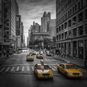 NEW YORK CITY 5th Avenue Traffic by Melanie Viola