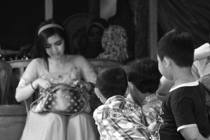 A number of boys stunned to see dangdut singer by rahmat nugroho