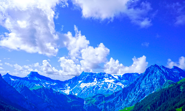 Albristhorn and the Mountains of the Bernese Alps by 360 Studios