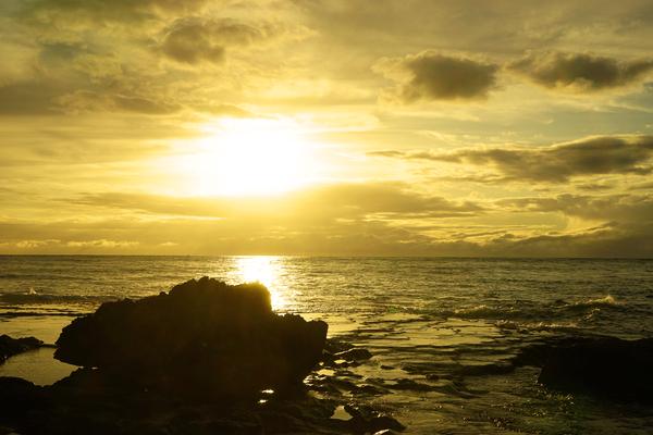 Quiet Summer Sunset in Hawaii by 360 Studios