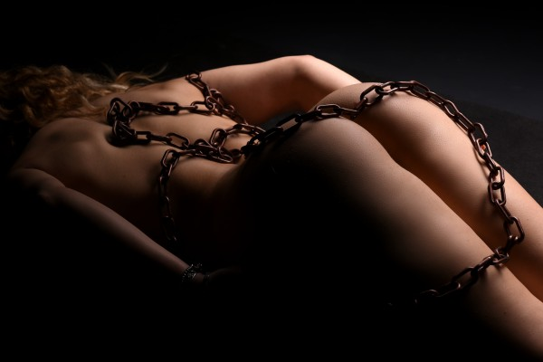 nude_bondage_woman_sexy by Alessandrodellatorre