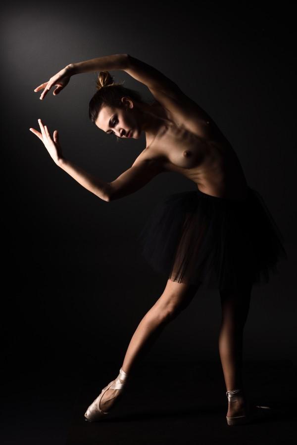 nude_ballet_classic_dancer_ballerina_naked_13 by Alessandrodellatorre