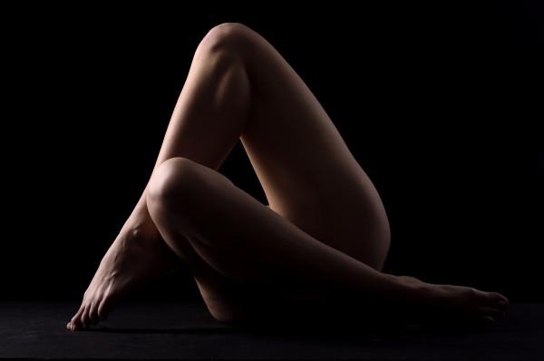 nude_woman_posing_sensual_bodyscape_03 by Alessandrodellatorre