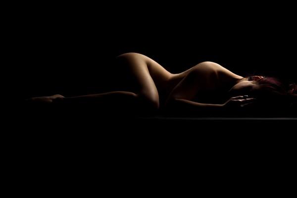 nude_woman_posing_sensual_bodyscape_04 by Alessandrodellatorre