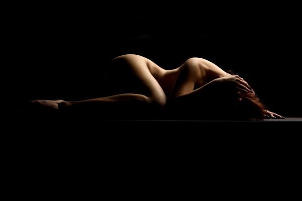 nude_woman_posing_sensual_bodyscape_05 by Alessandrodellatorre