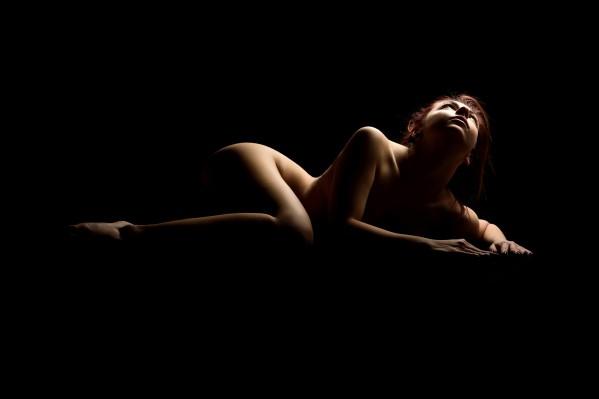 nude_woman_posing_sensual_bodyscape_06 by Alessandrodellatorre