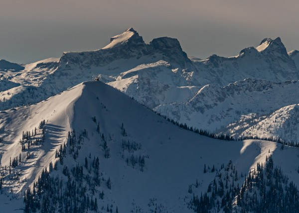 Idaho peak fire look-out 2021 over looking the Valhalla range bc by Billy Stevens media