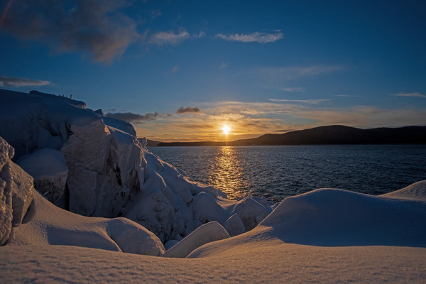 Snowy sunset by Caleb Nagel