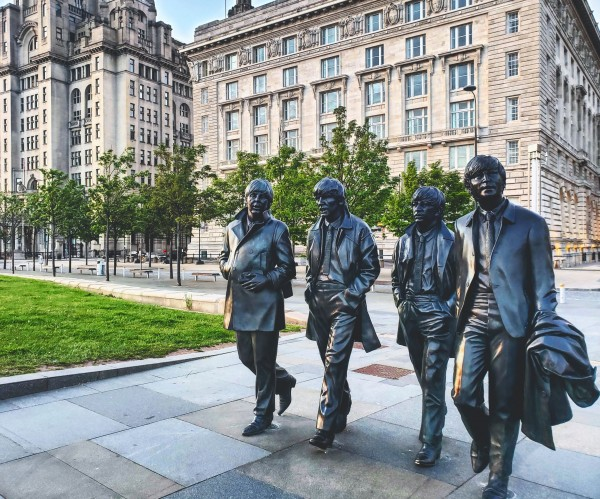 Beatles statue  by Chang Dynasty 87
