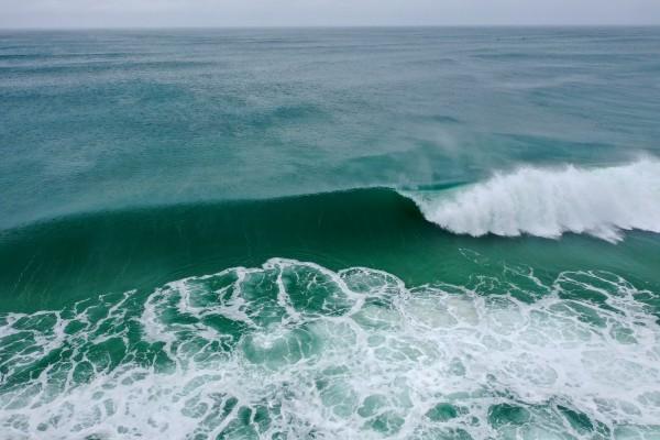 Big Surf  by Destin30A Drone
