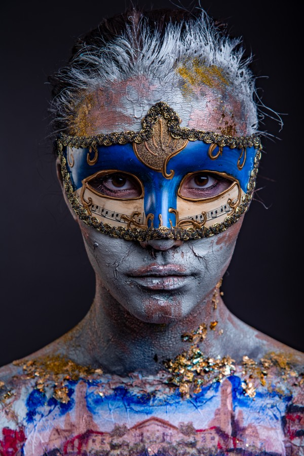 Creative podium makeup in Venetian lady style by Faces Studio