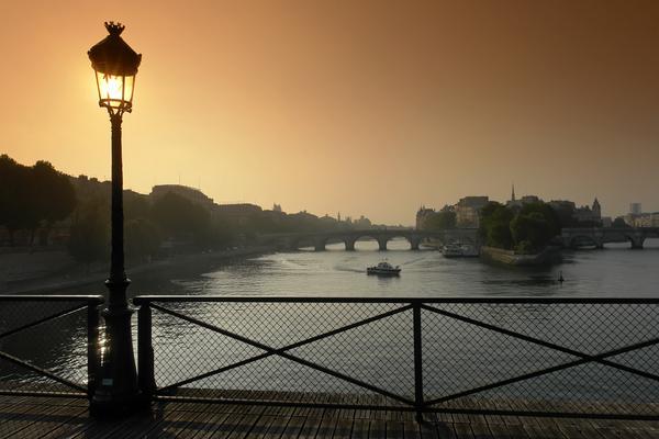 Ile de la Cite sunrise by Hassan Bensliman