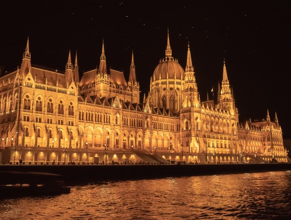Hungarian Parliament Building by Elitephotos