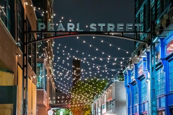 Pearl Street  by Elitephotos