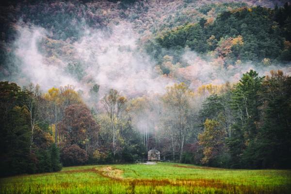 Smokey Mountain  by Luis Bonetti