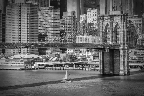 NEW YORK CITY Brooklyn Bridge & Manhattan Skyline Canvas Print