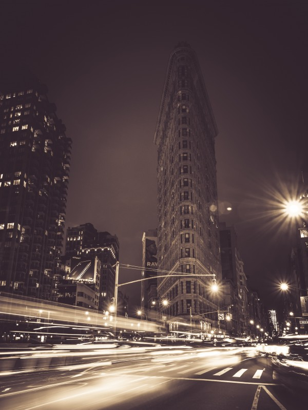Flatiron - New York by Philip Champagne