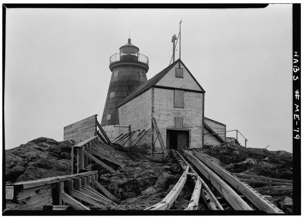 Saddleback-Ledge-Lighthouse-Maine  Print