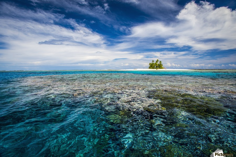 An island that forms part of the marine park, near the Tuvalu mainland; Tuvalu  Imprimer