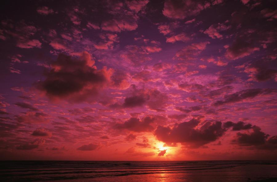 Kiribati, Kiritimati (Christmas Island), Colorful Sunset Over The ...