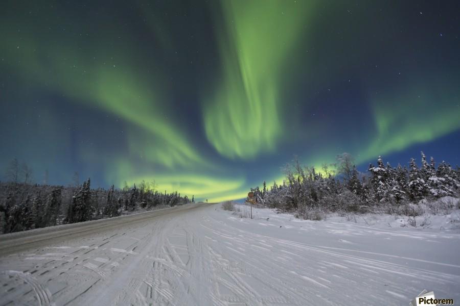 Northern lights dancing over the james dalton highway - Interior women s health fairbanks ak ...