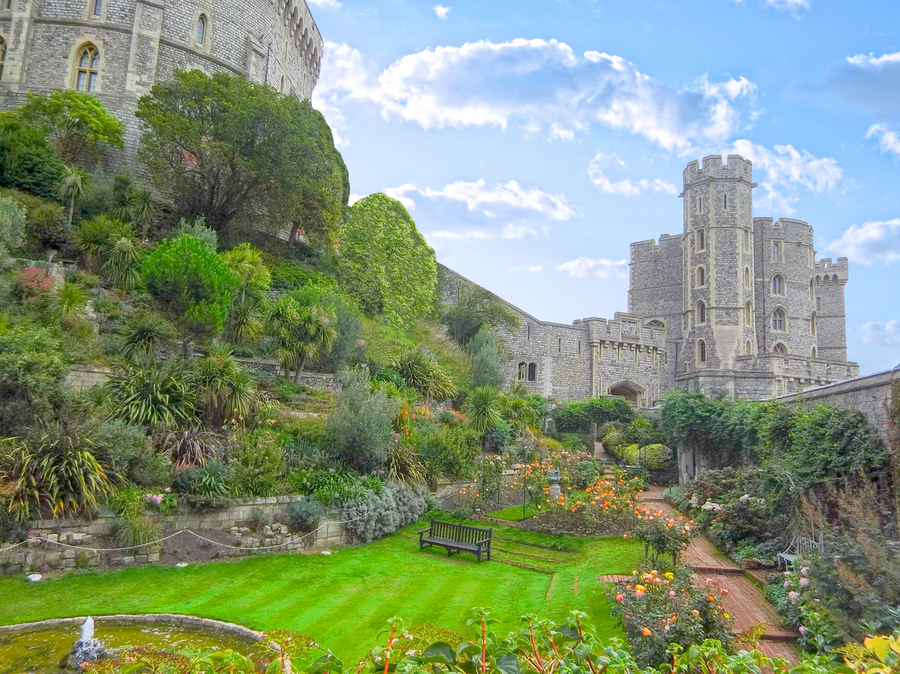 Windsor Castle Under Beautiful Blue Skies - Berkshire United Kingdom  Print