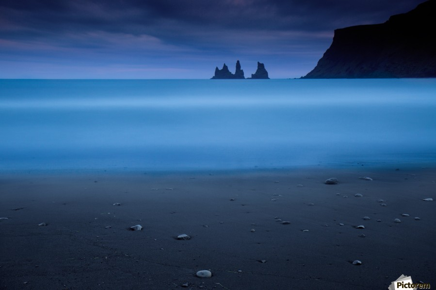 Blue night 2 , 1x , ICELAND,VIK,BEACH,LANDSCAPE,SEASCAPE,PEBBLES,NIGHT,LONG EXPOSURE,MILKY,SILKY,SMOOTH,SAND,PEBBLE,CLIFF,ROCK,COASTAL,COAST,CLIFFS,OCEAN,SEA