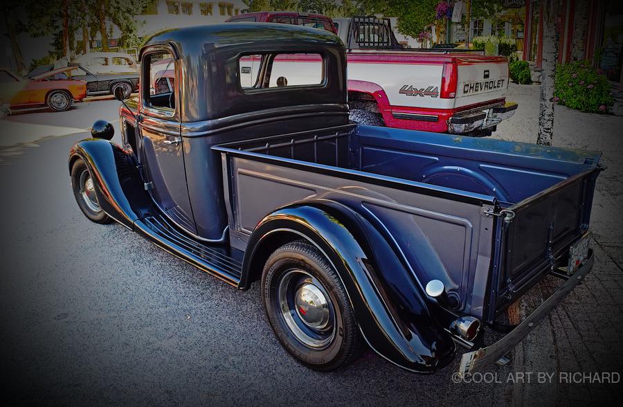 1935 Ford Pickup  Print