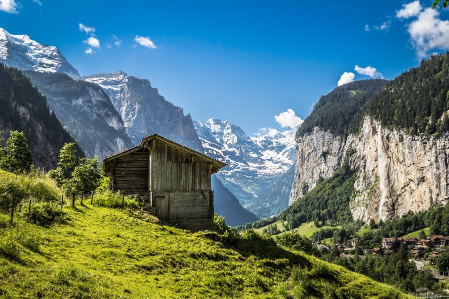Hut in the valley  Print