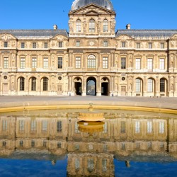 Water reflection of the Louvre palace