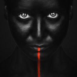She's got the black
