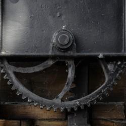 Une roue figee dans le temps