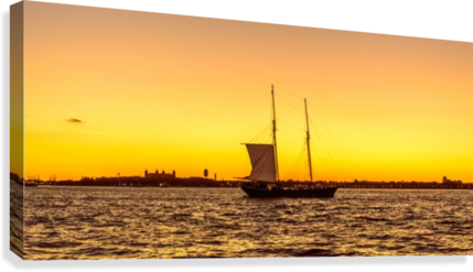 Sunset over the NY harbor  Canvas Print