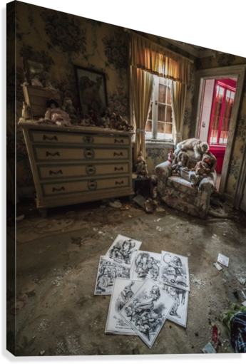 Abandoned Alice In Wonderland Room  Canvas Print