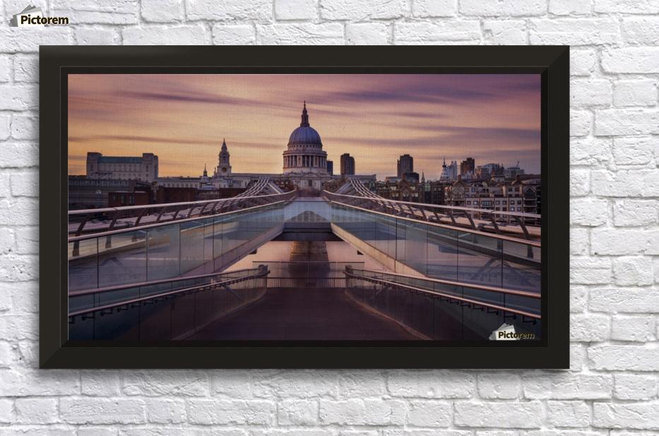 Millennium bridge leading towards St. Paul\'s church - 1x Canvas
