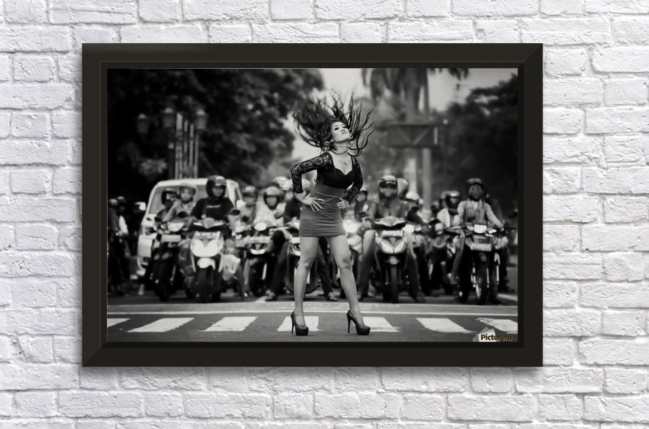 ignore it, enjoy poses on the streets Stretched Frame Print