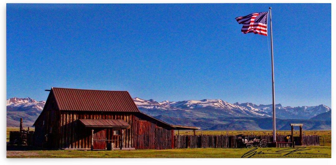 Patriotic Barn by Giovanni Tartaglia