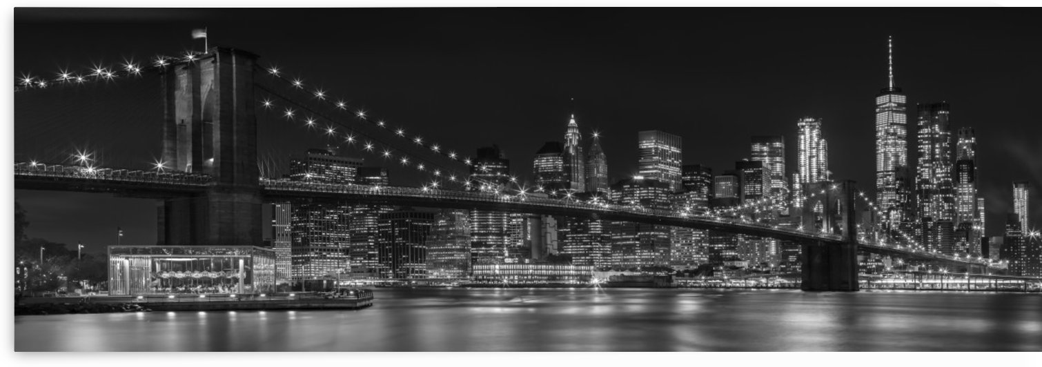 MANHATTAN SKYLINE & BROOKLYN BRIDGE Nightly Impressions | Panoramic Monochrome by Melanie Viola