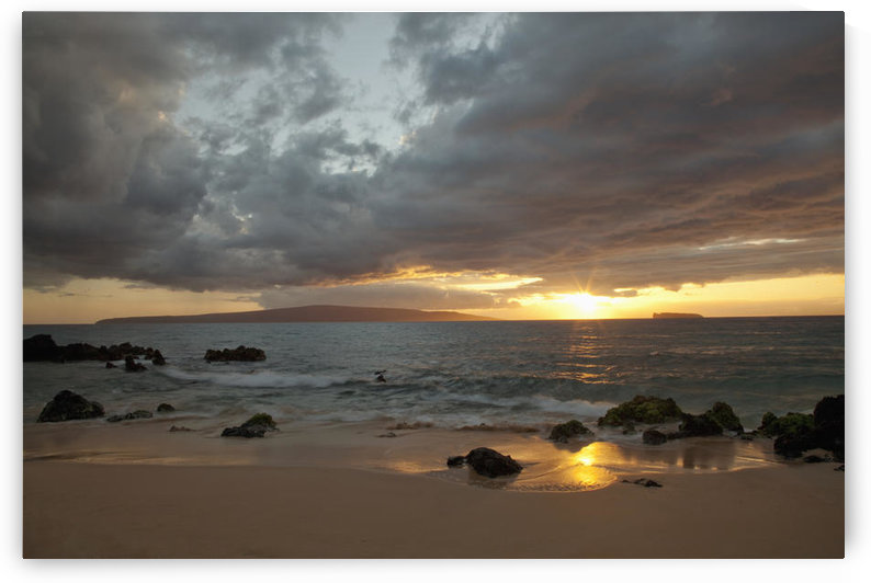 Hawaii, Maui, Makena, Cloudy sunset at Big Beach. by PacificStock