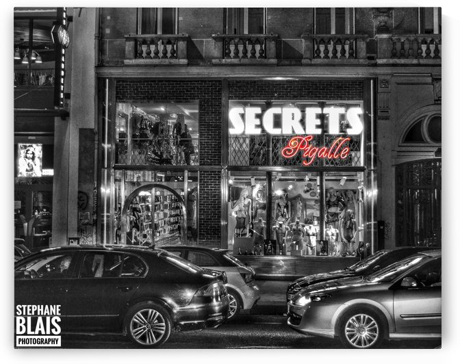 Paris - Pigalle by BLAIS Photo