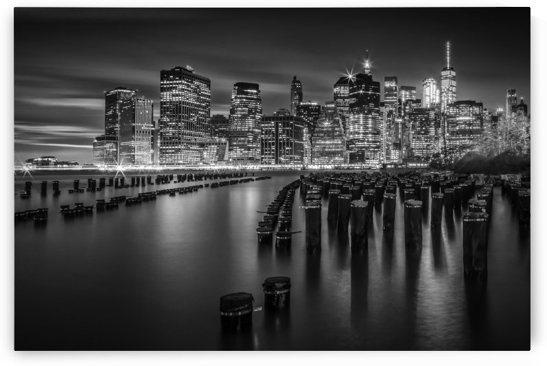 Manhattan Skyline at Sunset | Monochrome by Melanie Viola