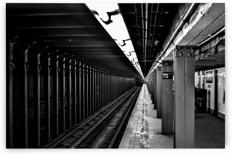 72nd St Station  by vincenzo