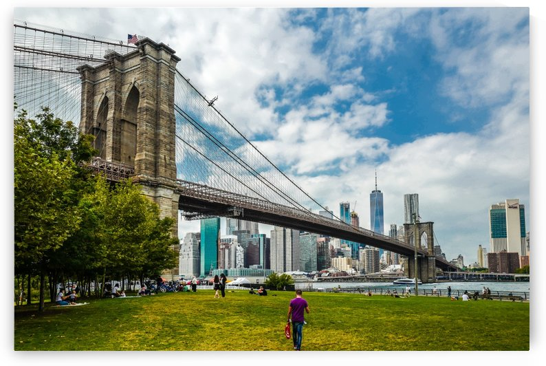 Brooklyn Bridge Green  by vincenzo