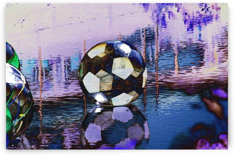 Large water ball. by Alan Skau