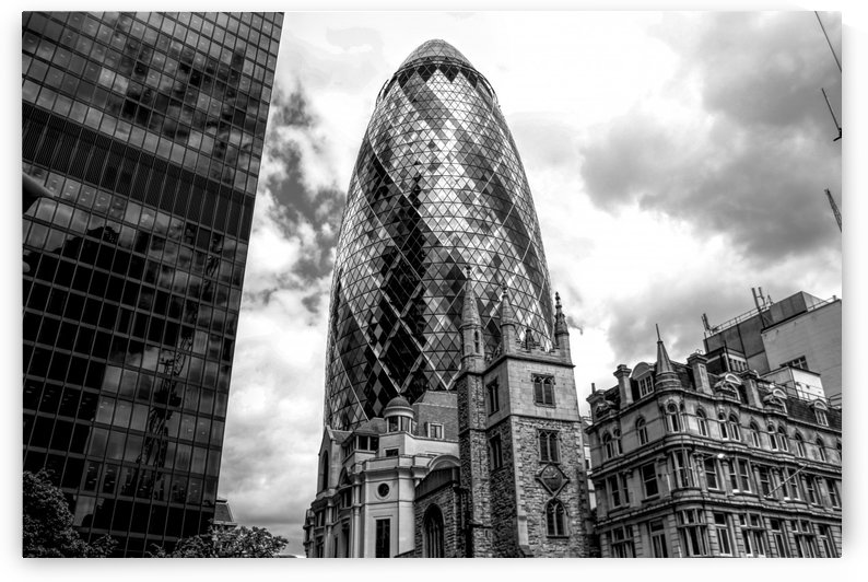 London Skyscraper in Black and White by Alessandro Bentivoglio