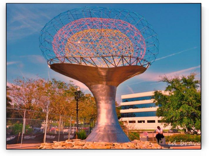 sculpture by Eduardo Bravo