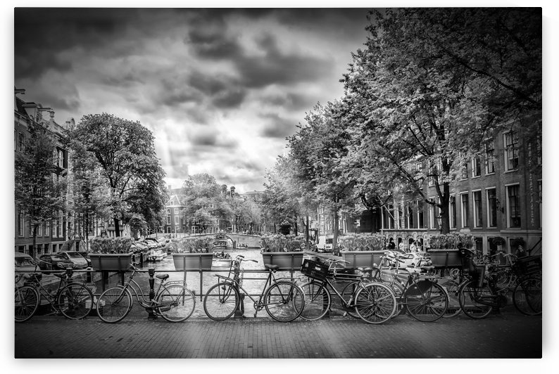 AMSTERDAM Gentlemen's Canal | Typical Cityscape in monochrome by Melanie Viola